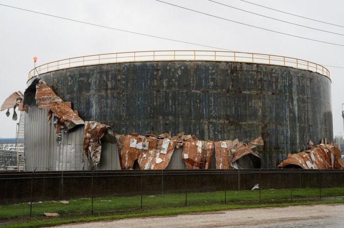 oil tank hurricane harvey.jpg